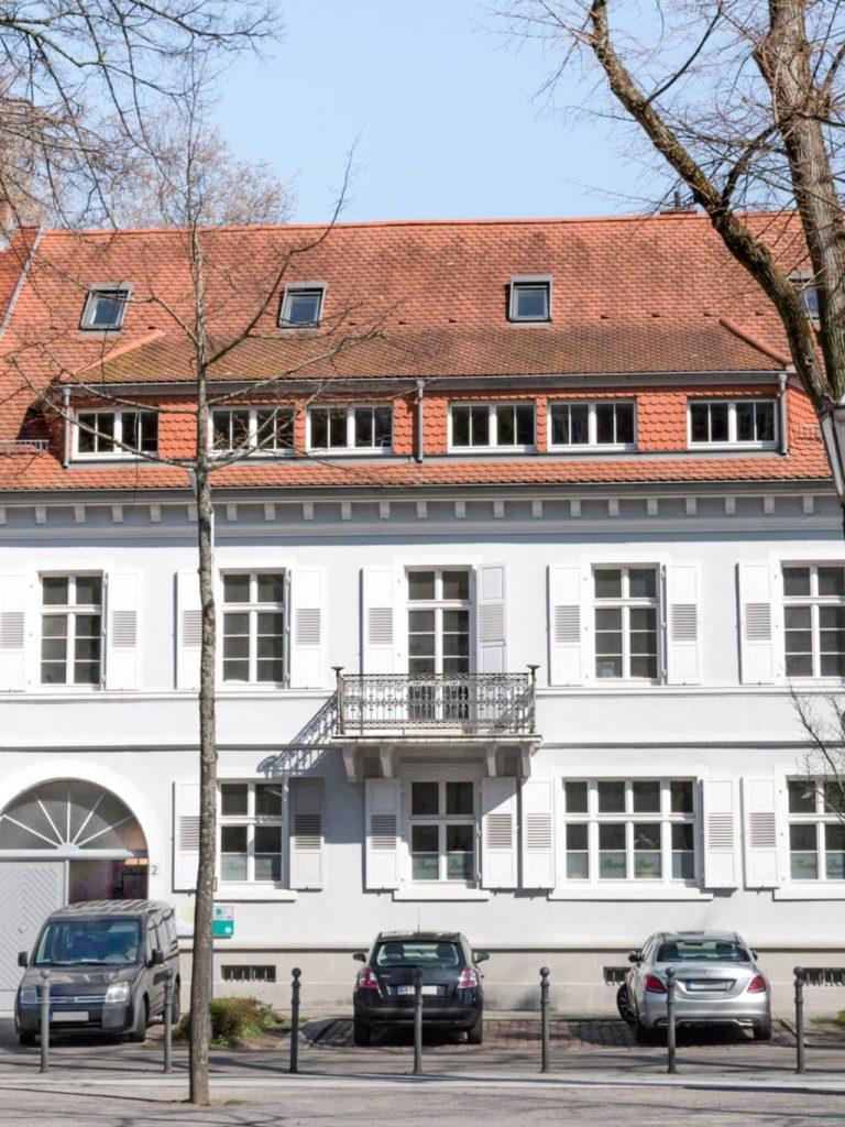 Eingang der Steuerberater Kurz&Schmitt in Karlsruhe-Durlach